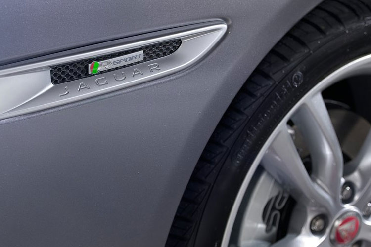 Jaguar XF Saloon 2.0 i 250PS Prestige 4Dr Auto [Start Stop] detail view